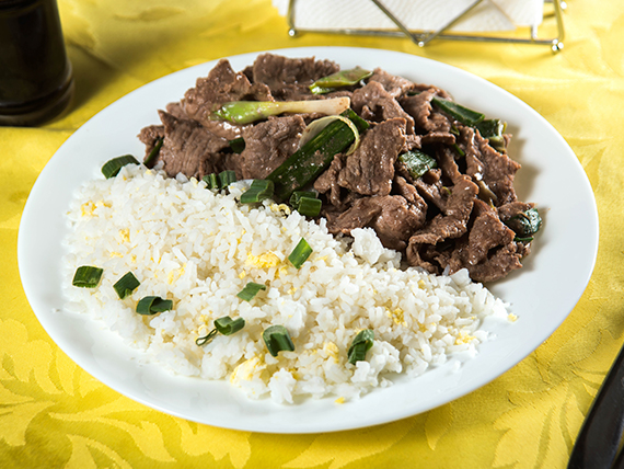 Colación - Carne mongoliana con arroz chaufán