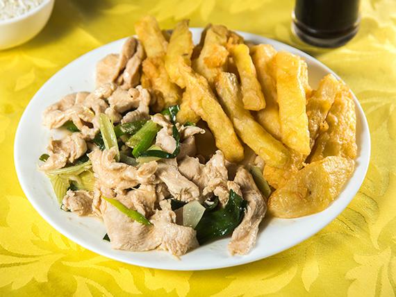 Colación - Pollo mongoliano con papas fritas chinas