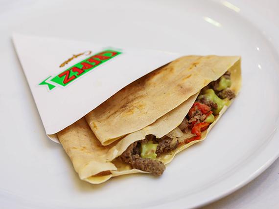 13 - Crepe con carne, mozzarella, morrón, cebollas salteadas y guacamole