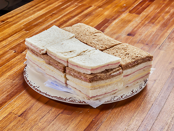 Sándwiches simples (24 unidades)
