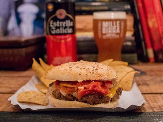 Burger + cerveza Estrella en lata