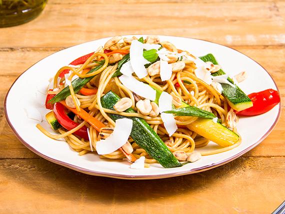 Tallarines al wok vegetariano