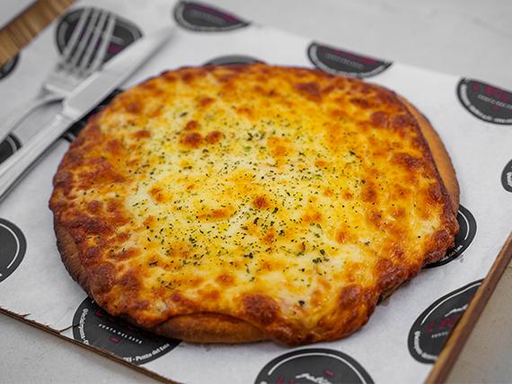 Pizza individual con muzzarella