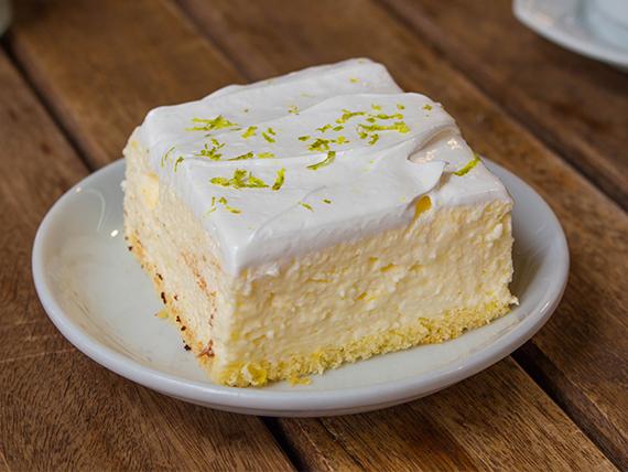 Porción torta de limón