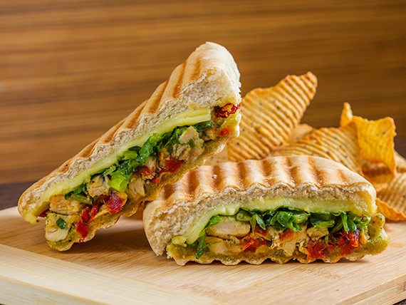 Toscana chicken panini