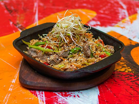 Wok de lomo y arroz