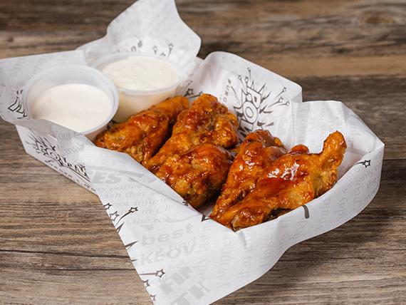Wing o boneless con salsa y dip a elección
