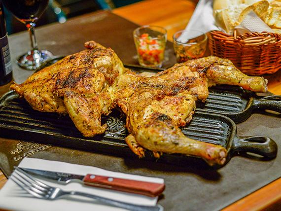 Pollo adobado a la parrilla