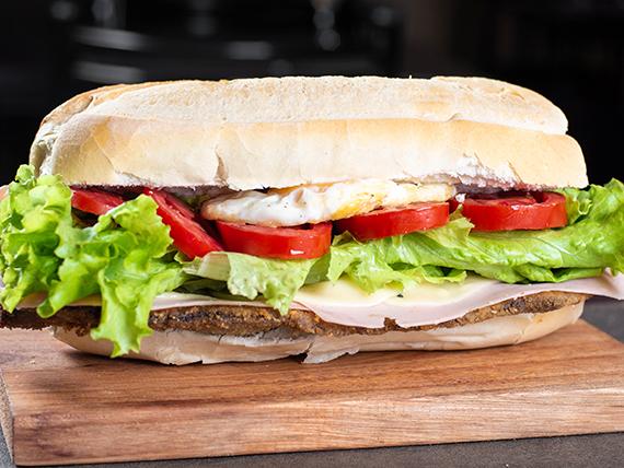 Sándwich de milanesa super completo
