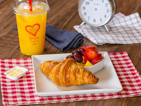Infusión 8 oz + Croissant con frutas + Jugo de naranja