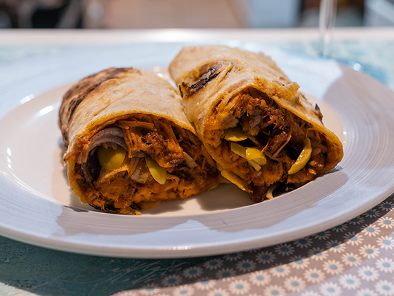 Roll pulled pork solo