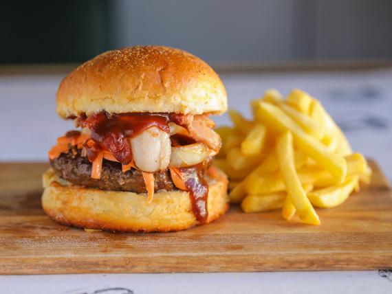 Slimerburger con guarnición