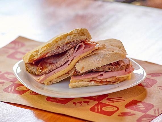Sándwich de peceto