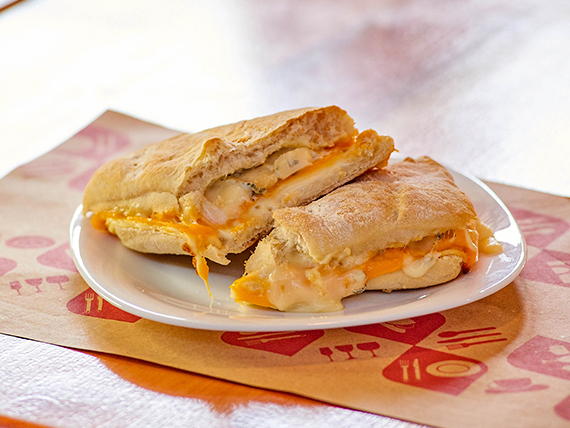 Sándwich 3 quesos