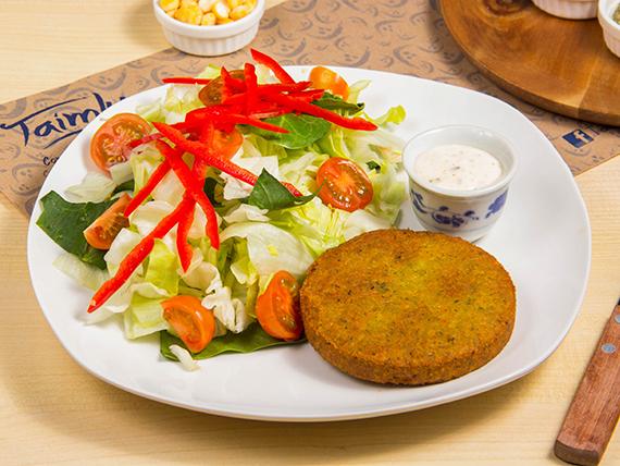 Croqueta vegana al plato
