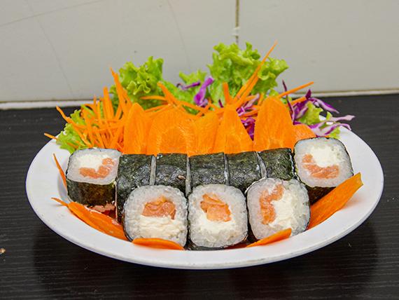 Salmón maki roll (10 piezas)