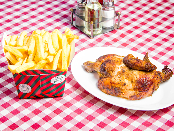 Combo 3 - 1/2 pollo asado + papas fritas mediana + bebida 1.5 L