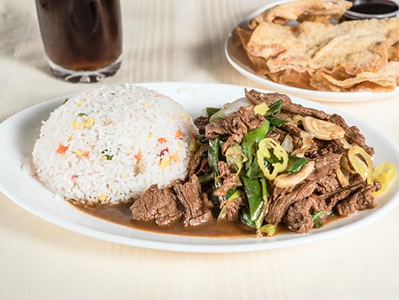 Promo - Colación carne mongoliana + aperitivo  + bebida en lata 360 ml