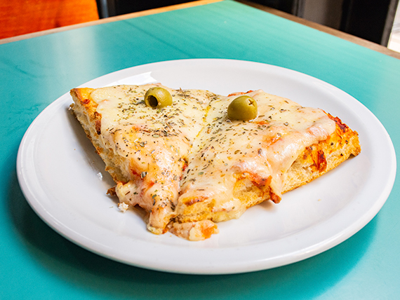Promo - 2 porciones de pizza muzzarella al molde