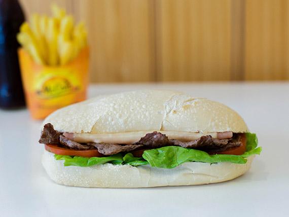 Combo 2 -  Sándwich de cuadril + papas fritas  + bebida