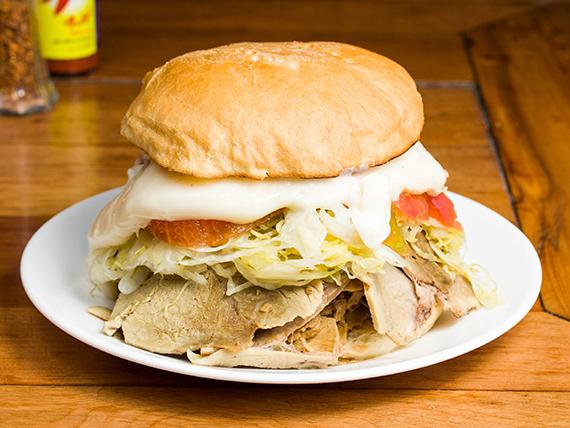 Sándwich lomito completo