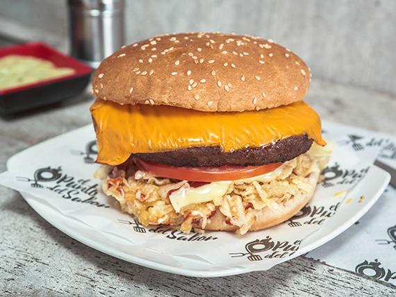 Sándwich hamburguesa mechada de la casa