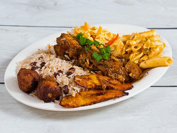Pollo guisado caribeño