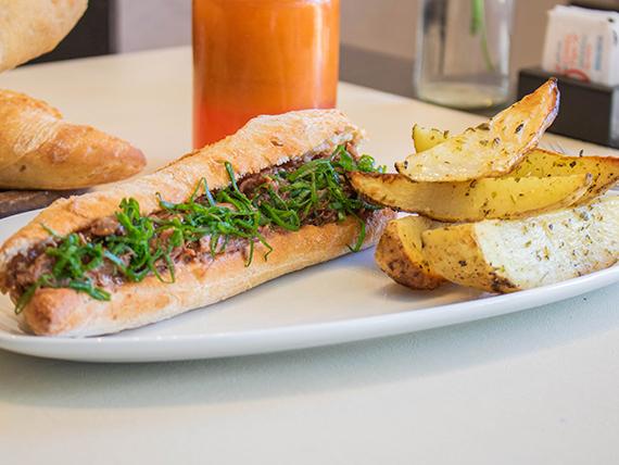 Sándwich braseado bbq