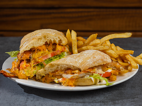 Grilled chicken sándwich