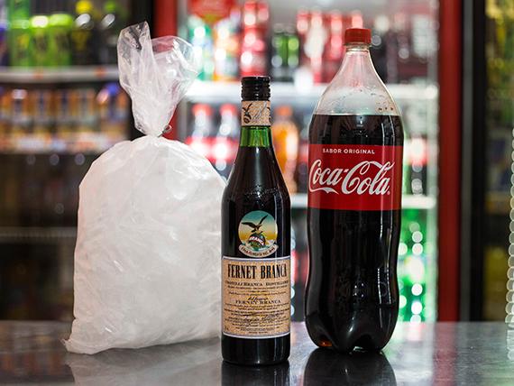 Promo - Fernet 750 ml + Coca Cola 2.5 L + bolsa de hielo 2 kg