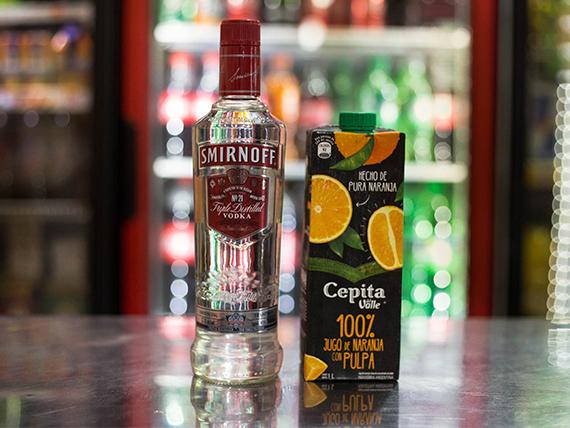 Promo - Smirnoff 750 ml + Cepita Naranja 1 L