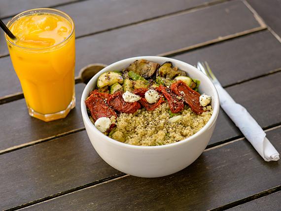 Ensalada vegetariana de quinoa