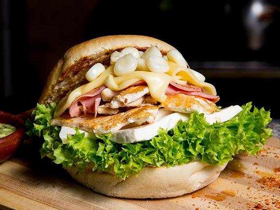 Sándwich especial la cholita