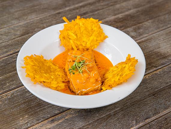 Corvina en salsa de camarones