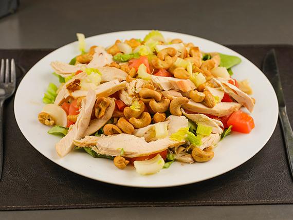 Ensalada de pollo con castañas