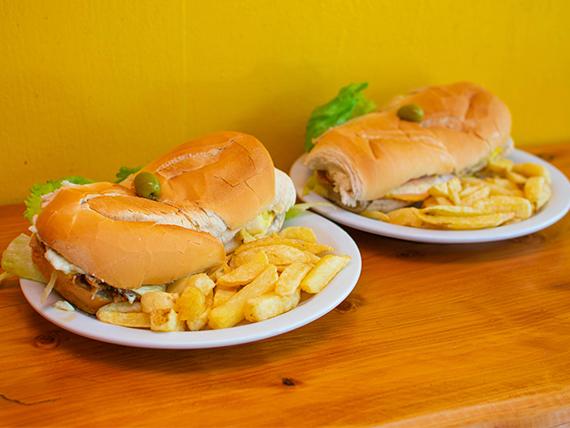 Promoción - 2 Sándwiches de milanesa con papas fritas