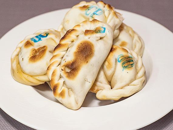 Promo - Media docena de empanadas