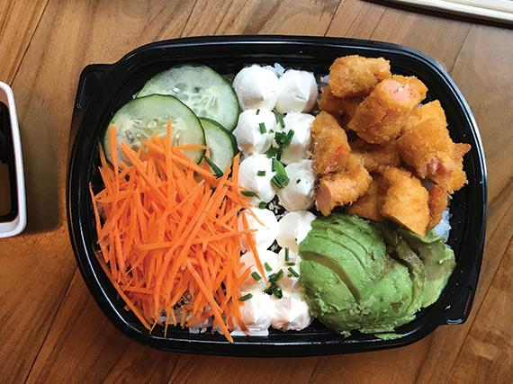 Poke sushi salad salmon panka