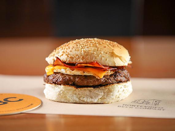 Bacon Cheeseburger + porción de fritas de regalo
