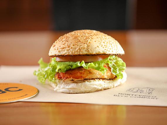Breaded Chicken sándwich + porción de fritas de regalo