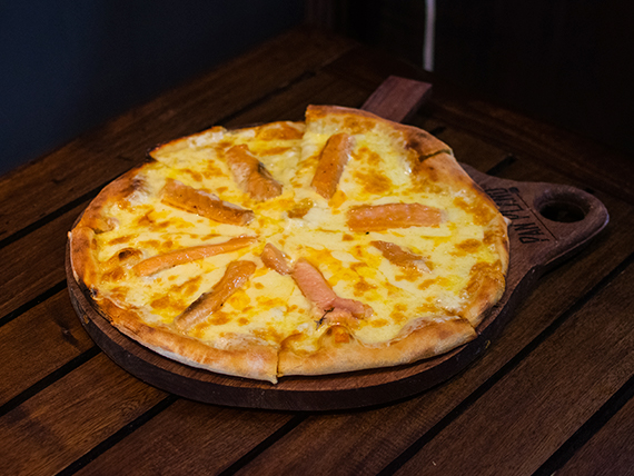 Pizza Pan Plano salmón y gruyere