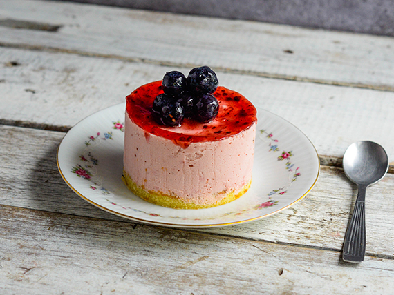 Torta mousse de frambuesa con arándanos (200 g)
