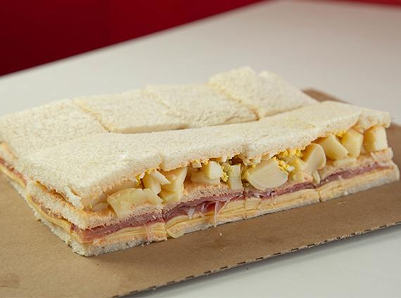 Sándwich triple de palmitos 2