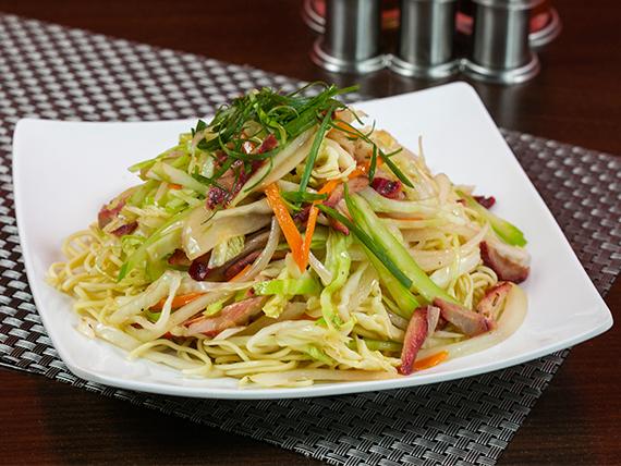 Chow mein con carne a elección