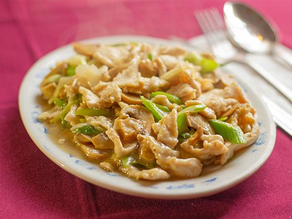 Pollo con champignones