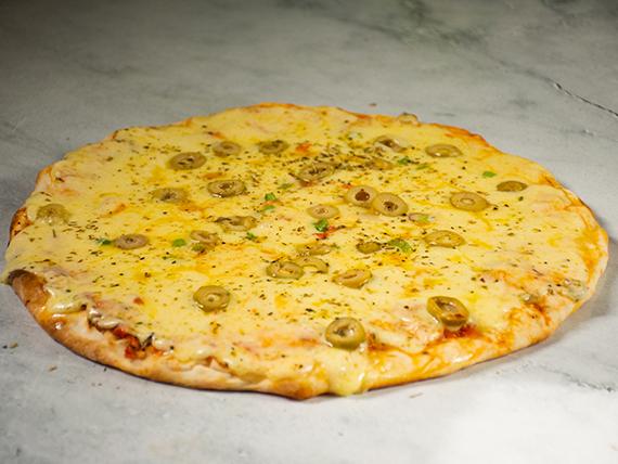 Promo - Pizza de salsa, muzzarella y aceitunas
