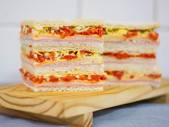Sándwiches triples comunes (6 unidades)