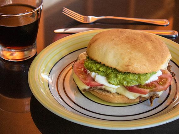 Sándwich de lomito Mundo