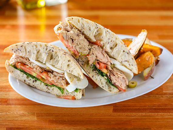 Sándwich de tuna