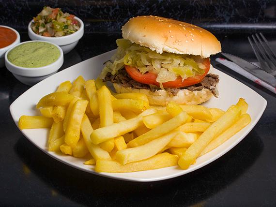 Sándwich alemán + papas fritas individual + bebida 350 ml